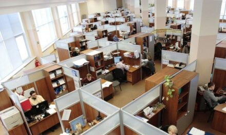 La IA afectará más a los trabajadores de cuello blanco, predice un nuevo informe